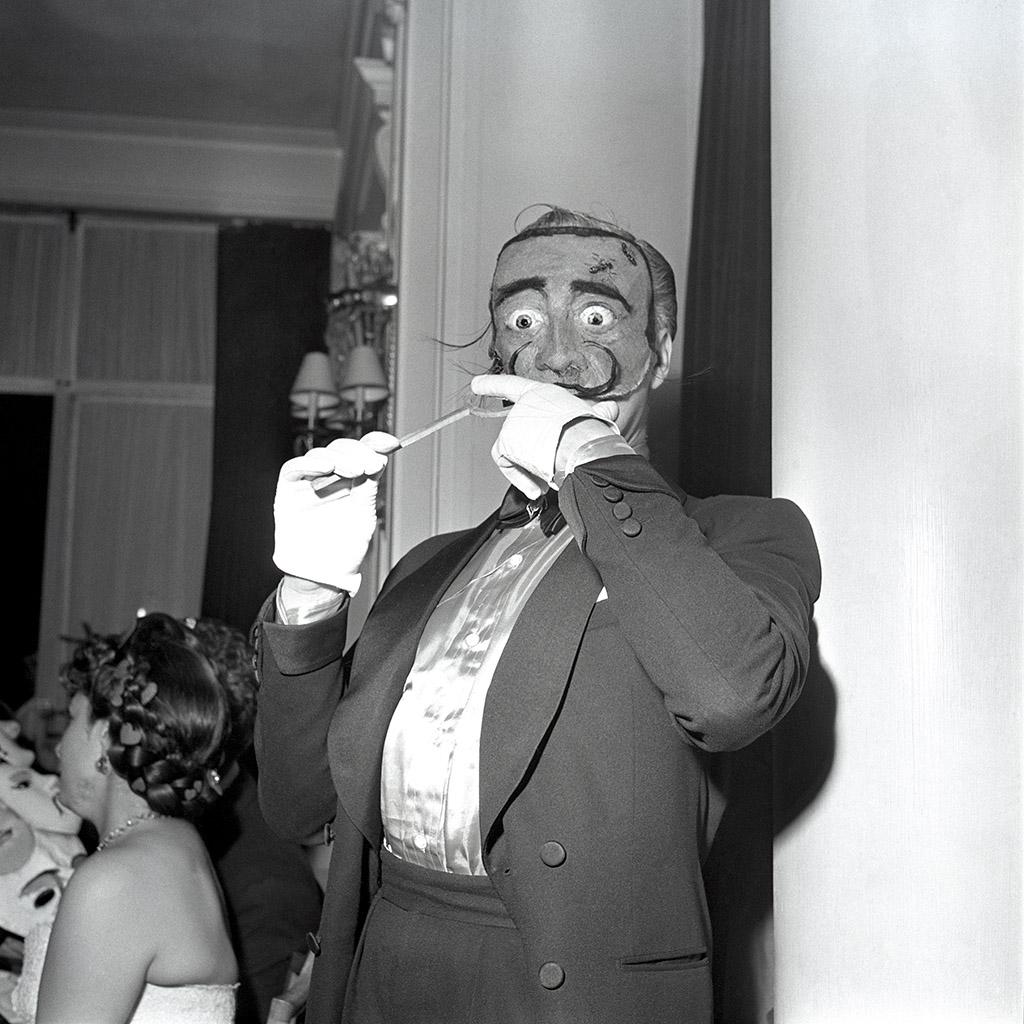 2_BAL_D_ELSA_MAXELL_PARIS_JUIN_1952