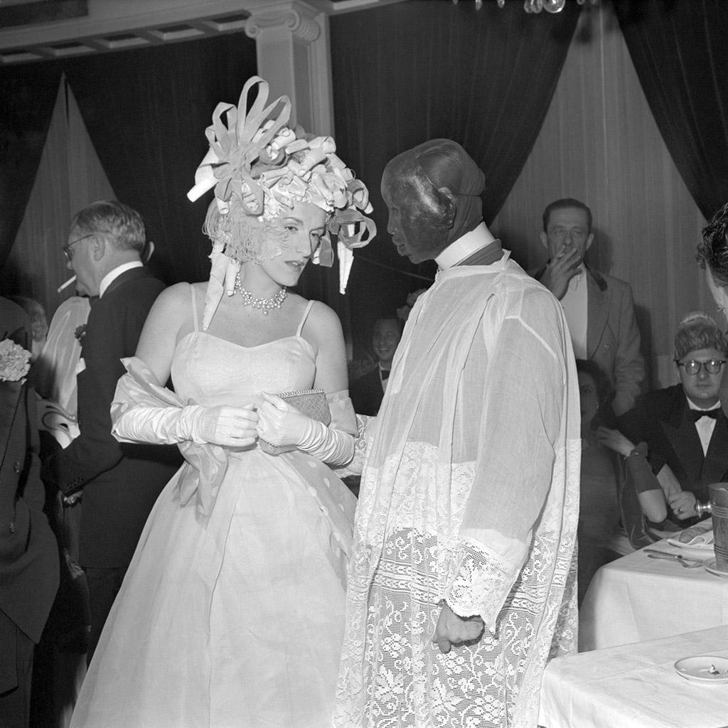 4_BAL_D_ELSA_MAXELL_PARIS_JUIN_1952