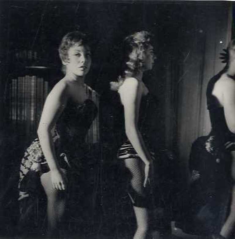 daniel-frasnay-paris-la-nuit-1956-via-galerie-verdeau