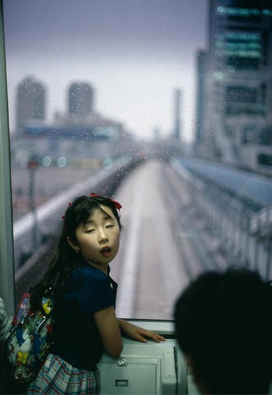 Gueorgui Pinkhassov, Le Nouveau Métro, Tokyo, Japon, 1996. Avec l'aimable autorisation de Magnums Photos © G. PINKHASSOV/MAGNUM PHOTOS