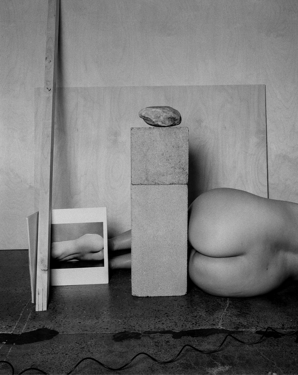 Tarrah Krajnak, Autoportrait en Weston/en Charis Wilson, 1925/2020, série Rituels de maîtres II : les Nus de Weston, 2020.